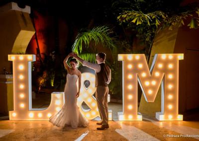 matrimonio Laura y Marc en Cartagena de indias, ceremonia en la Iglesia Santo Domingo y la recepcion de la boda en Casa Conde de Pestagua.Fotografía: Jose Manuel Pedrazal / Pedraza Producciones23 de Mayo de 2015