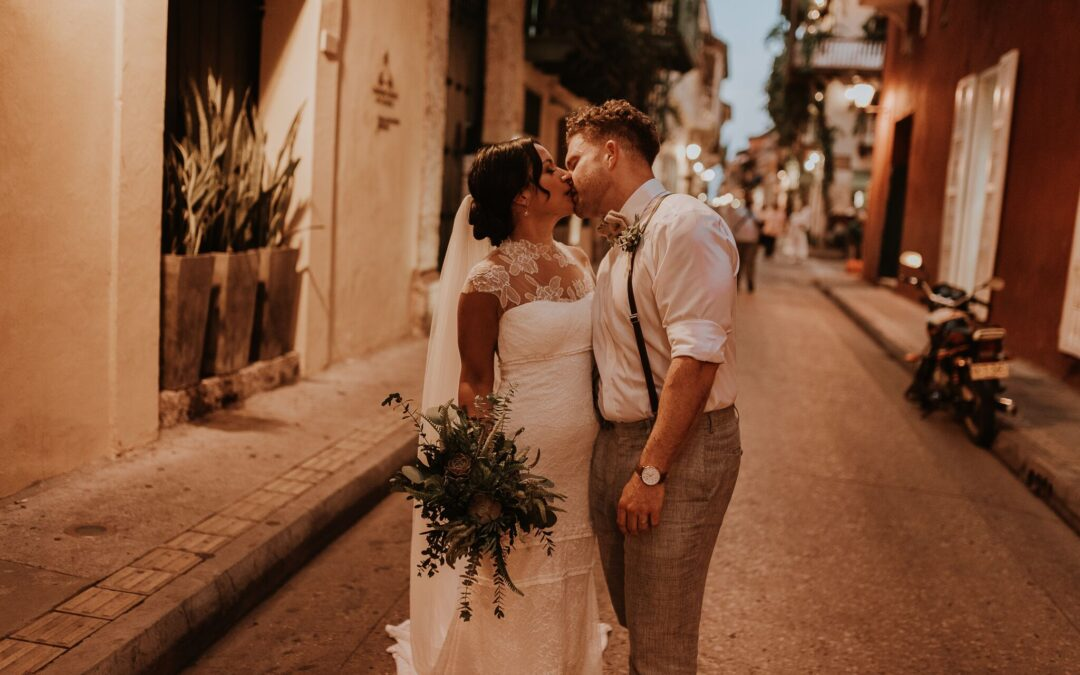 Enchanting Old Havana Vibe, Destination Wedding In Cartagena, Colombia